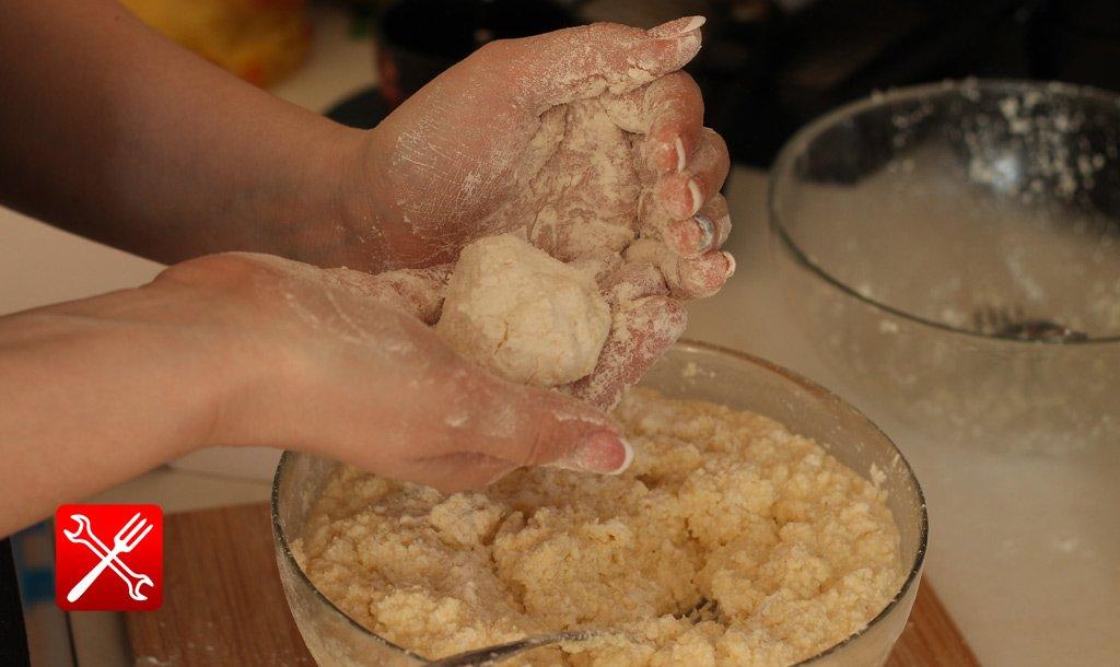 пошаговый рецепт приготовления сырников с фото